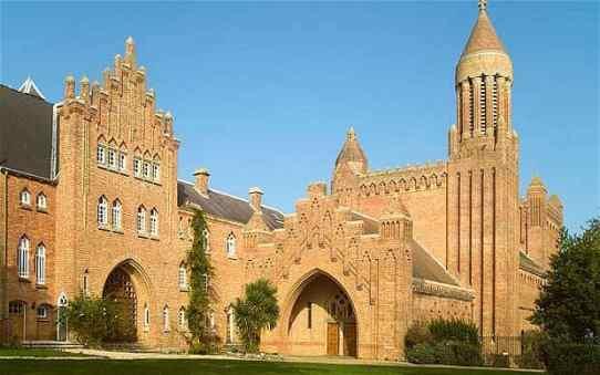 quar-abbey_1820462b