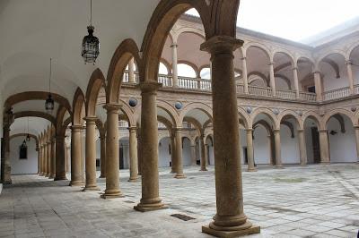 toledo-hospital-del-cardenal-tavera-patio-renacentista7